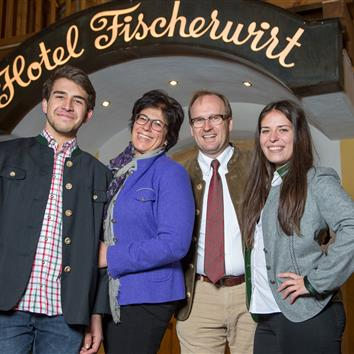 The Hoerl Family infront of the Fischerwirt